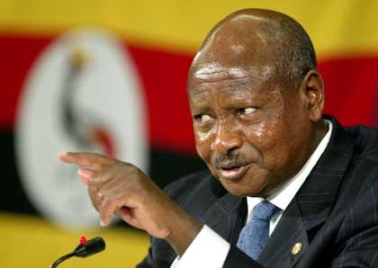Yuri Museveni teste sa popularité par une loi anti-gay...
