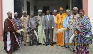 Le ministre François Abiola avec quelques têtes couronnées...