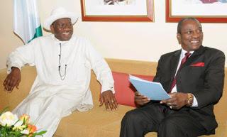 Les Présidents Goodluck Jonathan du Nigeria et Alpha Condé de la Guinée.